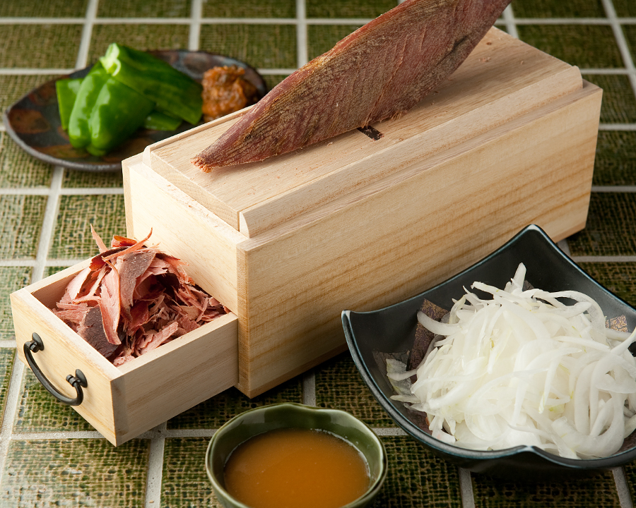 三陸の新鮮魚介や生牡蠣 地元甲州料理やおでんと 日本酒が美味しい居酒屋